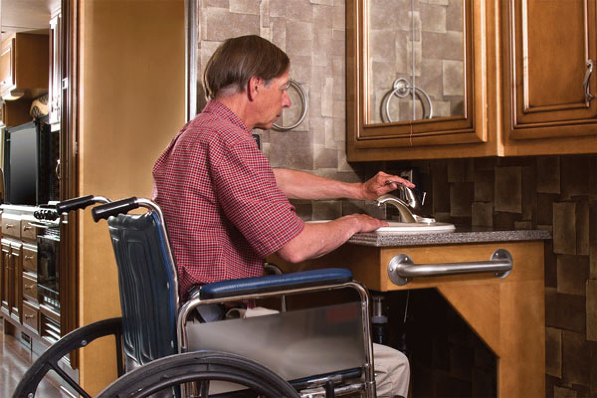 Wheelchair accessible bathroom motorhome