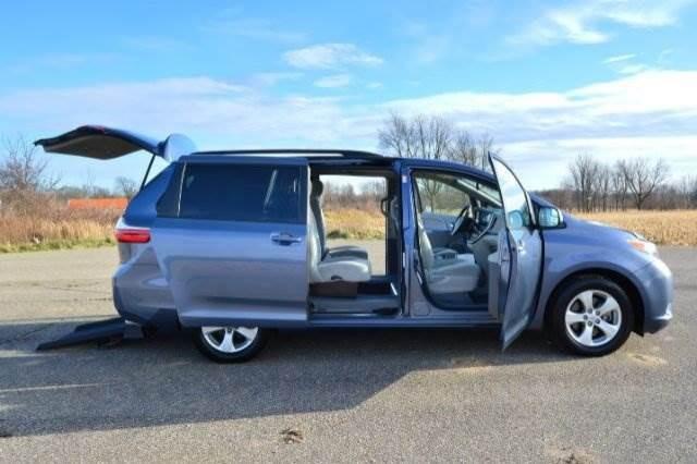 Braunability toyota sienna rampvan xi wheelchair vans for sale html autos weblog