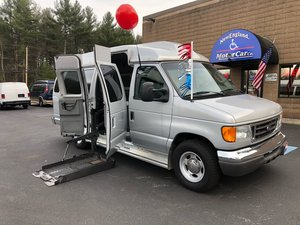 Used Wheelchair Van For Sale: 2007 Ford E-350 S Wheelchair Accessible Van For Sale with a  on it. VIN: 1FBSS31L57DA63115