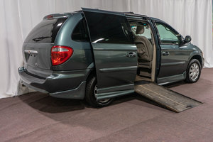 Used Wheelchair Van For Sale: 2007 Chrysler Town & Country L Wheelchair Accessible Van For Sale with a  on it. VIN: 2A4GP64L77R243747