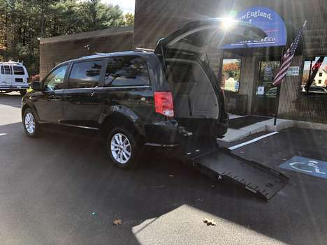 Used Wheelchair Van For Sale: 2018 Dodge Grand Caravan S Wheelchair Accessible Van For Sale with a  on it. VIN: 2C4RDGCG0JR326868