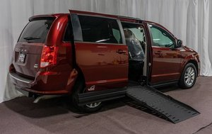 Used Wheelchair Van For Sale: 2019 Dodge Grand Caravan SXT Wheelchair Accessible Van For Sale with a  on it. VIN: 2C4RDGCGXKR563160