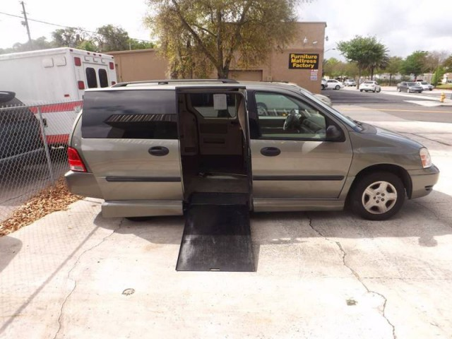 2004 ford freestar wheelchair van for sale lakeland for Wheelchair accessible homes for sale in florida
