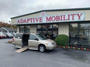 Used Wheelchair Van For Sale: 2006 Dodge Grand Caravan S Wheelchair Accessible Van For Sale with a  on it. VIN: 2D4GP44L16R886143