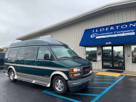 Used Wheelchair Van For Sale: 1998 Gmc Savana LE Wheelchair Accessible Van For Sale with a  on it. VIN: 1GDFG15R4W1092294