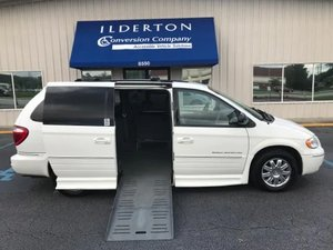 Used Wheelchair Van For Sale: 2007 Chrysler Town & Country Limited Wheelchair Accessible Van For Sale with a  on it. VIN: 2A8GP64L37R315191