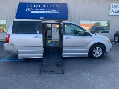 Used Wheelchair Van For Sale: 2009 Dodge Grand Caravan SE Wheelchair Accessible Van For Sale with a  on it. VIN: 2D8HN44E79R575637