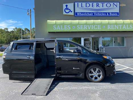 Used Wheelchair Van For Sale: 2013 Toyota Sienna SE Wheelchair Accessible Van For Sale with a  on it. VIN: 5TDXK3DC8DS389715