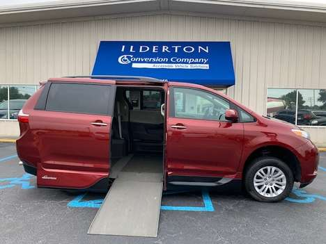 Used Wheelchair Van For Sale: 2017 Toyota Sienna SE Wheelchair Accessible Van For Sale with a  on it. VIN: 5TDYZ3DC1HS783806