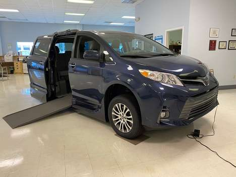 New Wheelchair Van For Sale: 2020 Toyota Sienna SE Wheelchair Accessible Van For Sale with a  on it. VIN: 5TDYZ3DC8LS063086