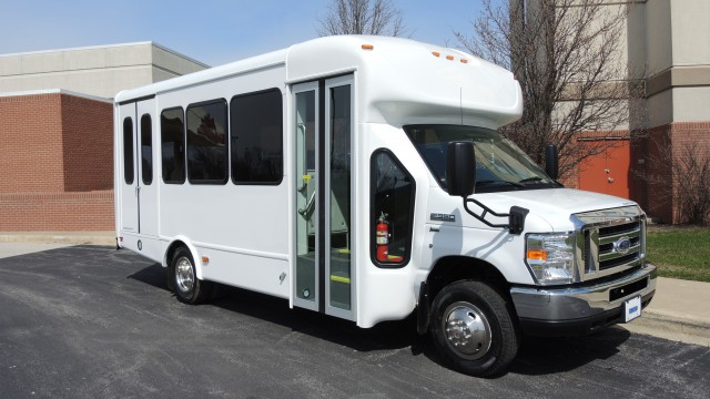 2016 ford starcraft wheelchair van for sale kankakee for Wheelchair accessible homes for sale in florida