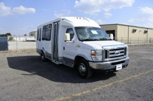 Used Wheelchair Van For Sale: 2008 Ford Starcraft  Wheelchair Accessible Van For Sale with a  on it. VIN: 1FDWE35L18DA35775