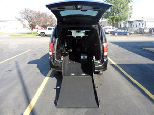 Used Wheelchair Van For Sale: 2018 Dodge Grand Caravan  Wheelchair Accessible Van For Sale with a  on it. VIN: 2C4RDGBG0JR201306
