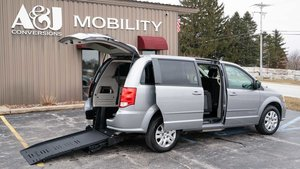 Used Wheelchair Van For Sale: 2016 Dodge Grand Caravan S Wheelchair Accessible Van For Sale with a BraunAbility Dodge Manual Rear Entry on it. VIN: 2C4RDGBG0GR182281