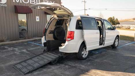 Used Wheelchair Van For Sale: 2013 Dodge Grand Caravan  Wheelchair Accessible Van For Sale with a BraunAbility Dodge Manual Rear Entry on it. VIN: 2C4RDGCG7DR527882