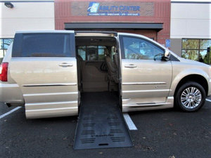 Used Wheelchair Van For Sale: 2016 Chrysler Town & Country L Wheelchair Accessible Van For Sale with a  on it. VIN: 2C4RC1CGXGR283231