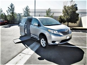 Used Wheelchair Van For Sale: 2017 Toyota Sienna S Wheelchair Accessible Van For Sale with a  on it. VIN: 5TDKZ3DC3HS823891