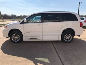 Used Wheelchair Van For Sale: 2015 Dodge Grand Caravan SXT Wheelchair Accessible Van For Sale with a BraunAbility Dodge CompanionVan Plus XT on it. VIN: 2C4RDGCG5FR591289