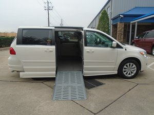 Used Wheelchair Van For Sale: 2012 Volkswagen Routan SE Wheelchair Accessible Van For Sale with a Eldorado National Amerivan Amerivan 10 on it. VIN: 2C4RVABG3CR354131