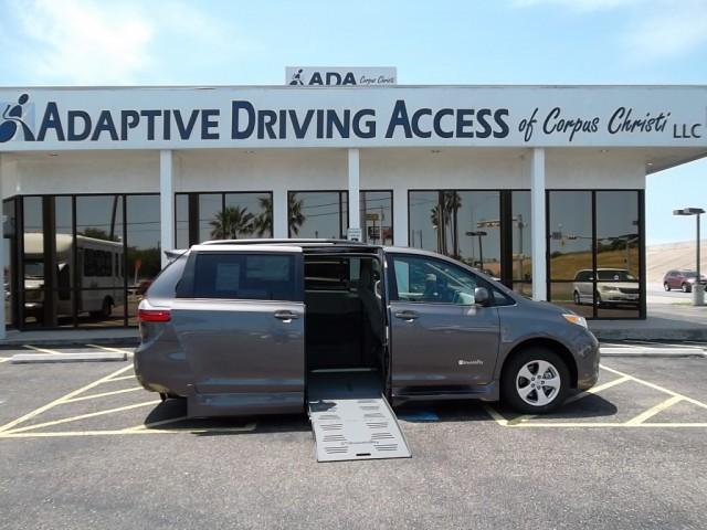 Mobility Van Dealers Tx >> 2016 Toyota Sienna Wheelchair Van For Sale - BraunAbility Rampvan | Corpus Christi, TX | VIN ...