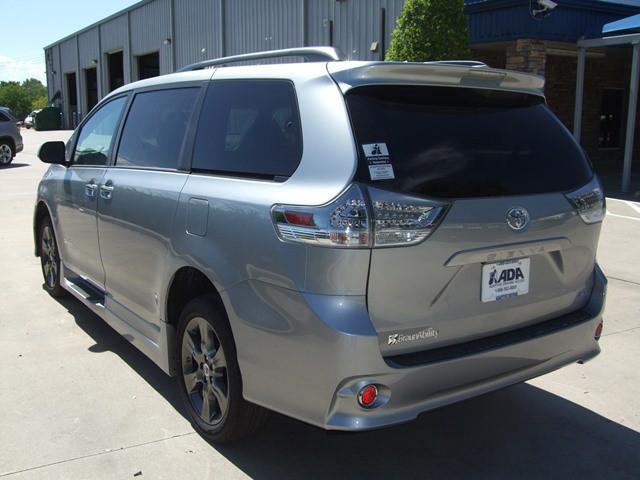Mobility Van Dealers Tx >> 2016 Toyota Sienna Wheelchair Van For Sale - BraunAbility Xi | McAllen, TX | VIN ...