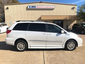 Used Wheelchair Van For Sale: 2008 Toyota Sienna XLE Wheelchair Accessible Van For Sale with a BraunAbility Toyota Rampvan XL on it. VIN: 5TDZK22C58S127629