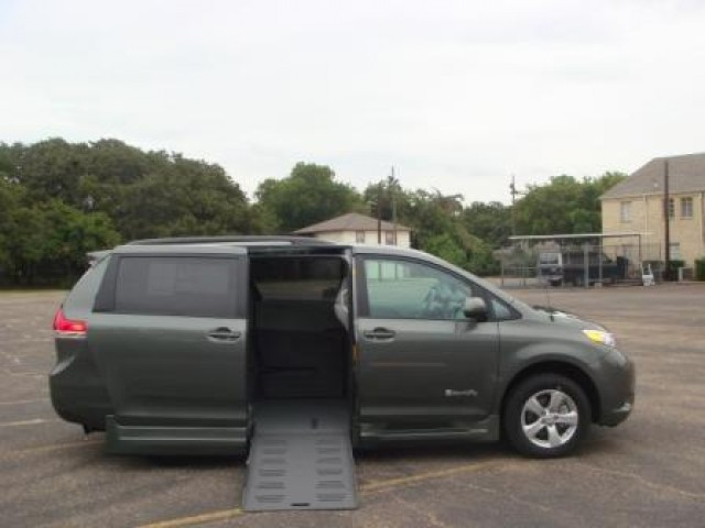 new toyota wheelchair vans for sale. Black Bedroom Furniture Sets. Home Design Ideas