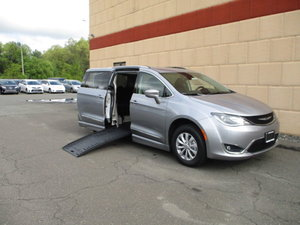 Used Wheelchair Van For Sale: 2019 Chrysler Pacifica Touring Wheelchair Accessible Van For Sale with a BraunAbility Chrysler Pacifica Foldout on it. VIN: 2C4RC1BG2KR584604