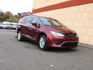 Used Wheelchair Van For Sale: 2017 Chrysler Pacifica Touring Wheelchair Accessible Van For Sale with a BraunAbility BraunAbility Rear-Entry Pacifica on it. VIN: 2C4RC1BG3HR675986