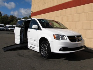 Used Wheelchair Van For Sale: 2017 Dodge Grand Caravan SXT Wheelchair Accessible Van For Sale with a BraunAbility Dodge Entervan XT on it. VIN: 2C4RDGCG1HR562214