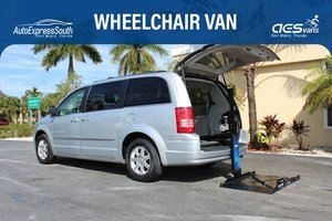Used Wheelchair Van For Sale: 2009 Chrysler Town & Country Touring Wheelchair Accessible Van For Sale with a  on it. VIN: 2A8HR54189R673994