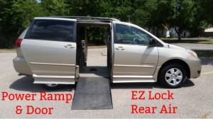 Used Wheelchair Van For Sale: 2005 Toyota Sienna LE Wheelchair Accessible  Van For Sale With