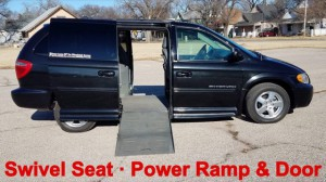 Used Wheelchair Van For Sale: 2005 Dodge Caravan  Wheelchair Accessible Van For Sale with a BraunAbility - Dodge Entervan II on it. VIN: 2D4GP44L45R200448