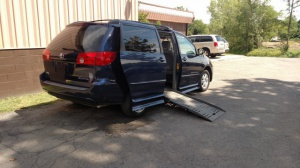 Used Wheelchair Van For Sale: 2007 Toyota Sienna LE Wheelchair Accessible Van For Sale with a  on it. VIN: 5TDZK23C07S090048