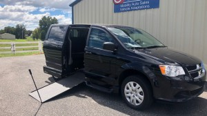 Used Wheelchair Van For Sale: 2017 Dodge Caravan  Wheelchair Accessible Van For Sale with a VMI - Dodge Northstar E on it. VIN: 2C4RDGBG8HR870210