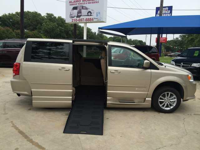 Mobility Van Dealers Tx >> 2015 Dodge Grand Caravan Wheelchair Van For Sale - BraunAbility Dodge Entervan XT | San Antonio ...