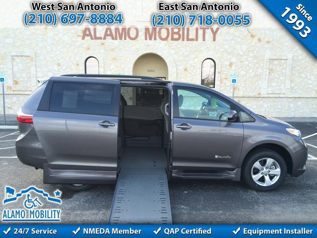 Mobility Van Dealers Tx >> 2015 Toyota Sienna Wheelchair Van For Sale - BraunAbility Toyota Rampvan Xi | San Antonio, TX ...