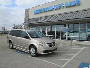 Used Wheelchair Van For Sale: 2016 Dodge Grand Caravan SE Wheelchair Accessible Van For Sale with a  on it. VIN: 2C4RDGBG3GR262657
