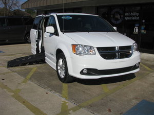Used Wheelchair Van For Sale: 2018 Dodge Grand Caravan SXT Wheelchair Accessible Van For Sale with a BraunAbility Dodge Entervan II on it. VIN: 2C4RDGCG9JR343037