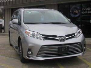 Used Wheelchair Van For Sale: 2018 Toyota Sienna XLE Wheelchair Accessible Van For Sale with a BraunAbility Toyota Rampvan XL on it. VIN: 5TDYZ3DC7JS925484