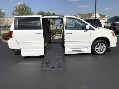 Used Wheelchair Van For Sale: 2014 Dodge Caravan SXT Wheelchair Accessible Van For Sale with a BraunAbility - Dodge Entervan XT on it. VIN: 2c4rdgcg9er227150