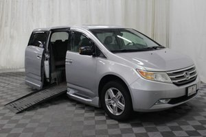 Used Wheelchair Van For Sale: 2011 Honda Odyssey L Wheelchair Accessible Van For Sale with a Braun Entervan on it. VIN: 5FNRL5H91BB078399