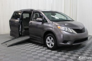 Used Wheelchair Van For Sale: 2011 Toyota Sienna LE Wheelchair Accessible Van For Sale with a Braun Entervan XT on it. VIN: 5TDKK3DC2BS041397