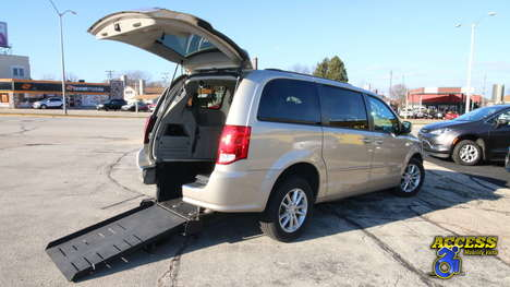 Used Wheelchair Van For Sale: 2014 Dodge Grand Caravan SXT Wheelchair Accessible Van For Sale with a BraunAbility Dodge Manual Rear Entry on it. VIN: 2C4RDGCG2ER306207