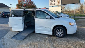 Used Wheelchair Van For Sale: 2008 Dodge Caravan  Wheelchair Accessible Van For Sale with a BraunAbility - Dodge Entervan II on it. VIN: 1d8hn54p88b180337