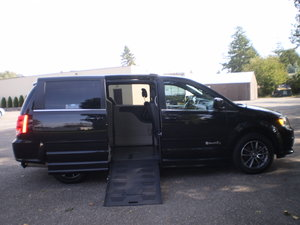 Used Wheelchair Van For Sale: 2017 Dodge Grand Caravan SXT Wheelchair Accessible Van For Sale with a BraunAbility Entervan XT on it. VIN: 15472
