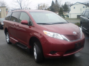 Used Wheelchair Van For Sale: 2015 Toyota Sienna LE Wheelchair Accessible Van For Sale with a VMI Northstar on it. VIN: 7100
