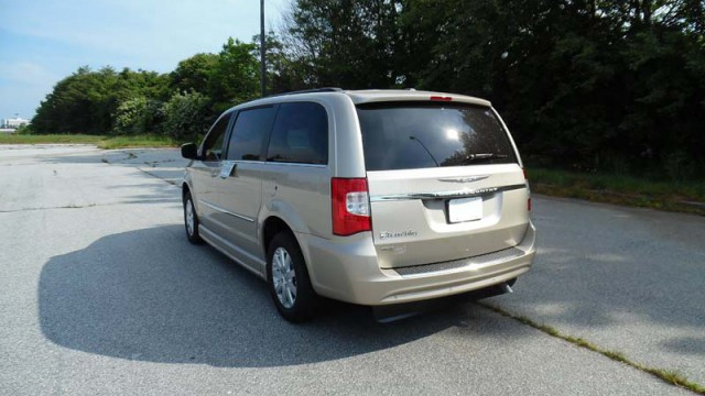 2015 chrysler town and country touring wheelchair van for sale braunability chrysler. Black Bedroom Furniture Sets. Home Design Ideas