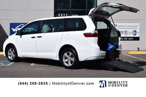 Used Wheelchair Van For Sale: 2017 Toyota Sienna L Wheelchair Accessible Van For Sale with a BraunAbility Manual Rear Entry on it. VIN: 5TDZZ3DC5HS857216