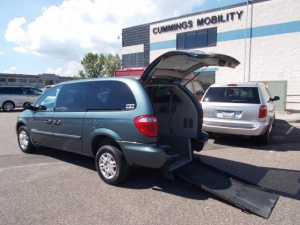 Rear entry wheelchair vans for sale for Freedom motors handicap vans